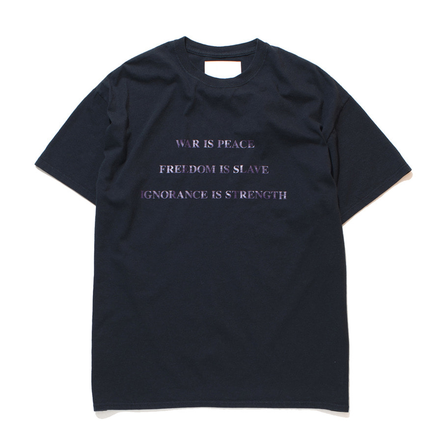 가쿠로 WAR IS PEACE T-Shirt_Black