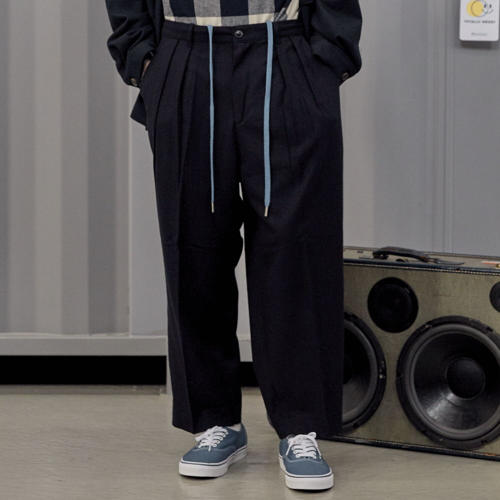 데일리인 'LOBBY BOY EASY WIDE TR WOOL SET-UP PANTS_Navy